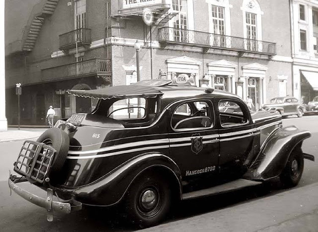 Nyc Taxi In 1942 Pre Wwii Photos Antique Automobile